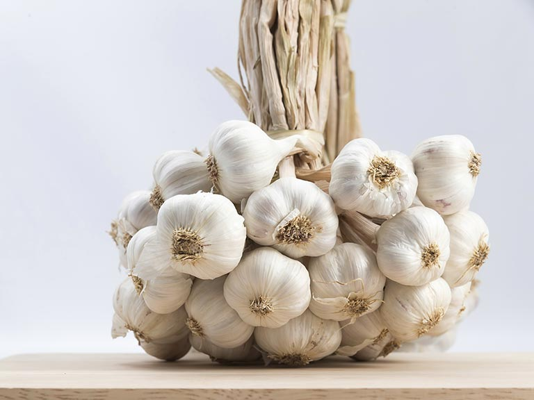 Why You Must Eat Raw Garlic