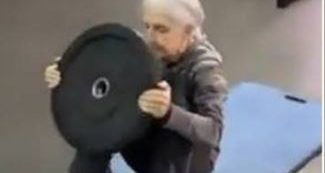Video of a 72-year-old woman doing the Mayweather workout